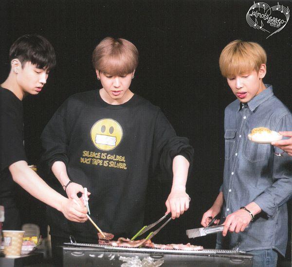 Tags: K-Pop, Got7, BamBam, JB, Kim Yugyeom, Night, Trio, Three Males, Black Shirt, Food, Blue Shirt, Cooking
