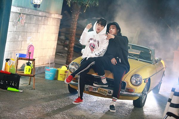 Tags: K-Pop, Got7, JB, Park Jinyoung (Junior), Two Males, Hoodie, Car, Duo, Black Pants, Tree, Ring, Outdoors