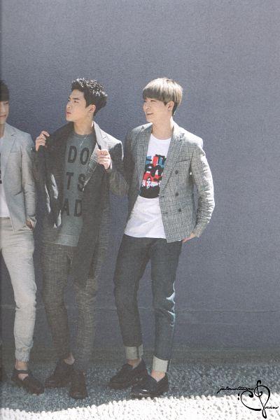 Tags: K-Pop, Got7, Park Jinyoung (Junior), Choi Youngjae, Jackson, Three Males, Trio, Gray Outerwear, Gray Jacket, GOTCHA 2 Photobook, Scan
