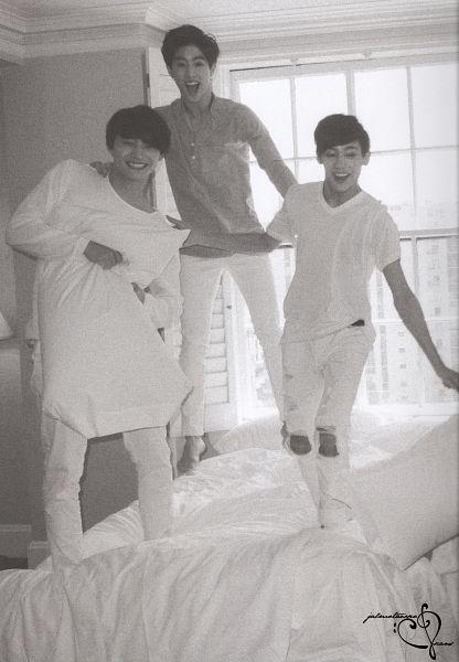 Tags: K-Pop, Got7, JB, Mark, BamBam, Monochrome, Trio, Pillow, Three Males, Bed, Jumping, Window