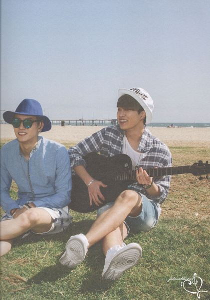 Tags: K-Pop, Got7, Choi Youngjae, JB, Beach, Hat, Glasses, Musical Instrument, Guitar, Two Males, Sunglasses, Sand
