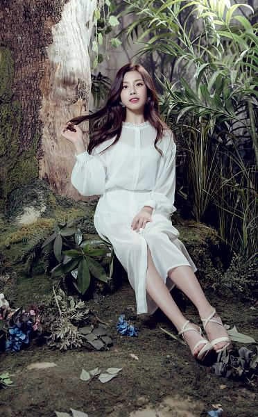 Tags: K-Pop, Berry Good Heart Heart, Berry Good, Crazy Gone Crazy, Gowoon, White Outfit, Skirt, Tree, Bent Knees, Plant, Grin, Sandals