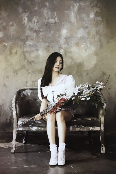 Tags: K-Pop, Berry Good, Gowoon, Bouquet, Sitting On Couch, Serious, Couch, Short Sleeves, Purple Dress, Flower, Red Flower, Black Eyes