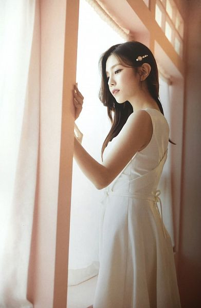 Tags: K-Pop, Berry Good, Gowoon, Window, Hair Clip, White Outfit, White Dress, Hair Ornament, Serious, Scan, Fantastic