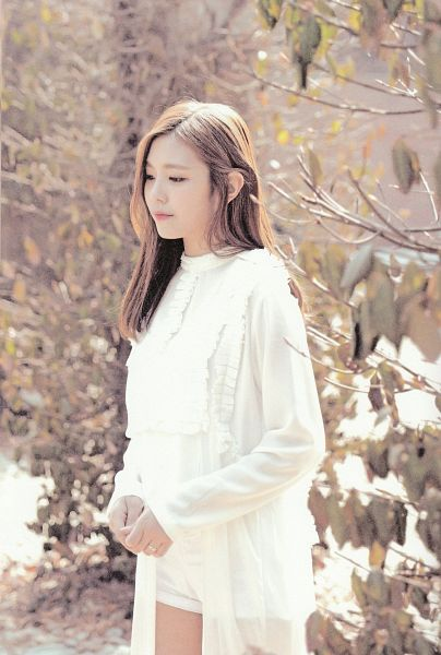 Tags: K-Pop, Berry Good, Gowoon, Plant, Looking Ahead, White Outfit, Looking Down, Ring, White Dress, Android/iPhone Wallpaper, Very Berry, Self Scanned