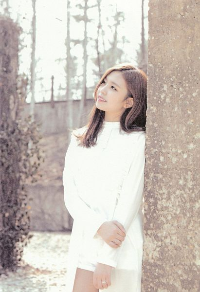 Tags: K-Pop, Berry Good, Gowoon, Tree, Ring, White Dress, Plant, Looking Ahead, Looking Up, White Outfit, Self Scanned, Scan
