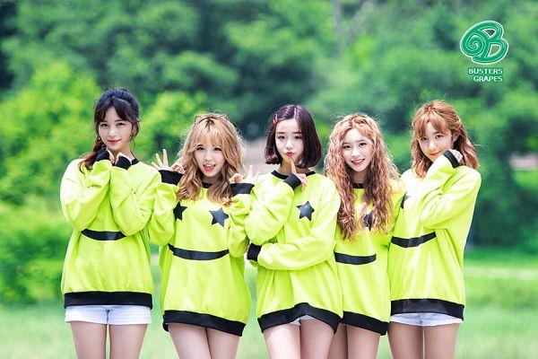 Tags: K-Pop, Busters, Grapes (Song), Kim Minji (Busters), Kim Chaeyeon, Myeong Hyeongseo, Cha Minjeong, Jung Jisu, Medium Hair, White Shorts, Hair Up, Group
