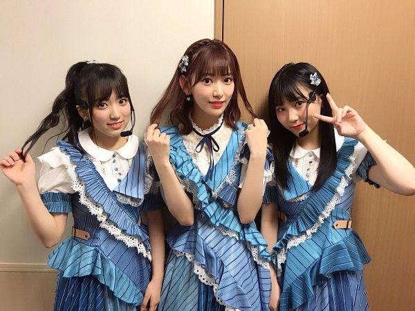 Tags: J-Pop, HKT48, AKB48, Miyawaki Sakura, Tanaka Miku, Yabuki Nako, Blue Outfit, Matching Outfit, V Gesture, Three Girls, Blue Dress, Hand In Hair