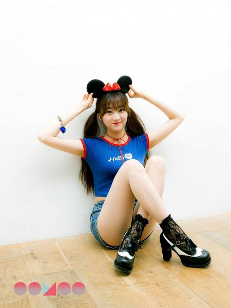 Tags: K-Pop, I.B.I, Han Hyeri, Blunt Bangs, Bracelet, Black Footwear, Shoes, Denim Shorts, Crossed Legs, Shorts, Animal Ears, Blue Shirt