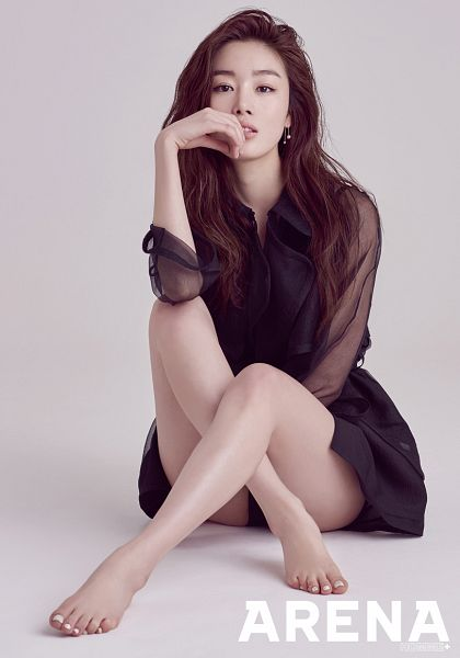 Tags: K-Pop, Secret, Han Sunhwa, Feet, Bare Legs, Finger To Lips, Text: Magazine Name, Barefoot, Gray Background, Black Dress, Butt, Black Outfit