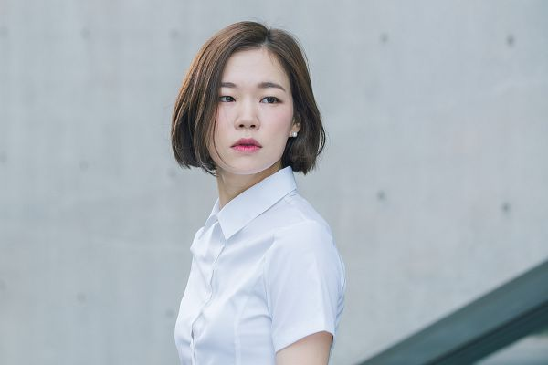 Tags: K-Drama, Han Ye-ri, Serious, Short Sleeves, Age of Youth 2