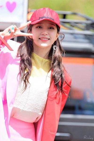 Tags: K-Pop, EXID, Hani, Nail Polish, Pink Skirt, V Gesture, Red Headwear, Make Up, Hat, Pink Outerwear, Skirt, Pink Jacket