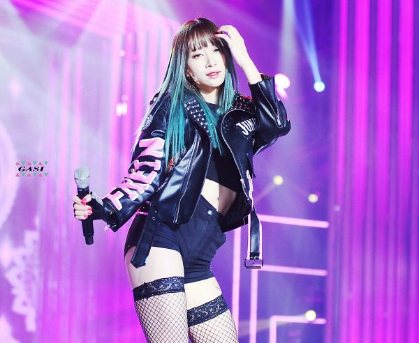 Tags: K-Pop, EXID, Hani, Multi-colored Hair, Shorts, Black Shorts, Midriff, Pink Background, Fishnets, Hand In Hair, Gasi