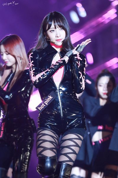 Tags: K-Pop, EXID, Hani, Boots, Clapping, Black Footwear, Looking Away, Black Shorts, Shorts, Knee Boots, Still Pretty, Android/iPhone Wallpaper