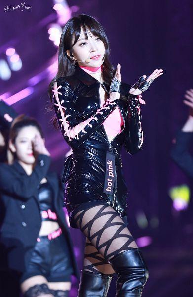 Tags: K-Pop, EXID, Hani, Looking Ahead, Knee Boots, Blue Eyes, Boots, Clapping, Black Footwear, Black Shorts, Shorts, Still Pretty