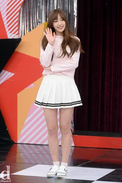 Tags: K-Pop, EXID, Hani, Striped Skirt, White Skirt, Crossed Arms, Pleated Skirt, Pink Shirt, Socks, Wave, White Footwear, Skirt