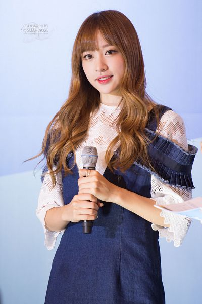 Tags: K-Pop, EXID, Hani, Blue Dress, Blue Outfit, Denim Dress, Blue Background, Sleep Page, Android/iPhone Wallpaper