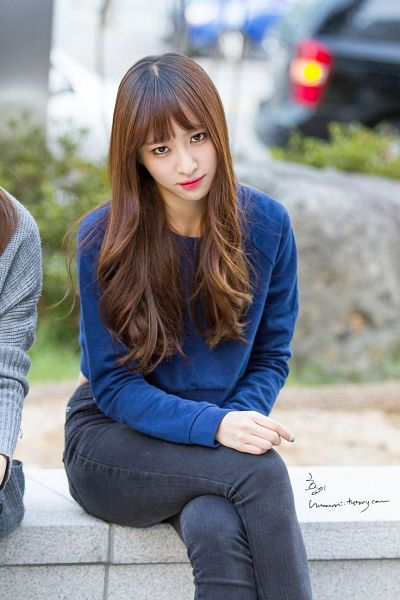 Tags: K-Pop, EXID, Hani, Jeans, Sitting On Bench, Bench, Blue Shirt, Crossed Legs, Hand On Leg, Black Pants, Outdoors