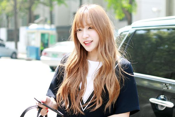 Tags: K-Pop, EXID, Hani, Black Shirt, Looking Ahead, Outdoors, Wallpaper, Hani & Honey