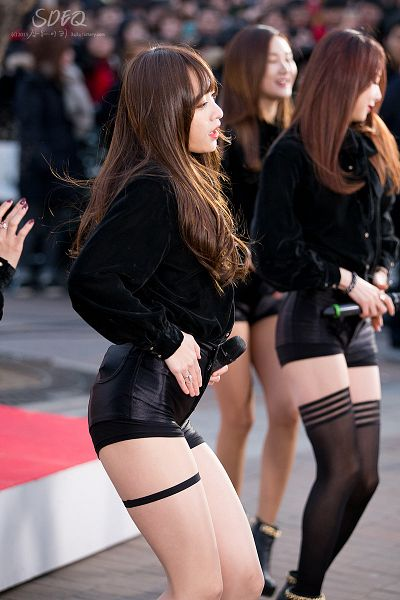 Tags: K-Pop, EXID, Hani, Shorts, Bare Legs, Black Jacket, Black Shorts, Side View, Outdoors, Eyes Closed, Garter Belt, Hand On Hip