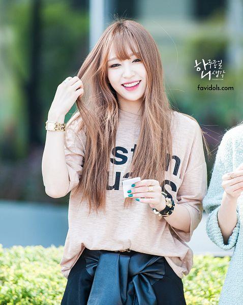 Tags: K-Pop, EXID, Hani, Outdoors, Bracelet, Brown Shirt, Skirt, Nail Polish, Black Skirt, Make Up, Hand In Hair, Ring