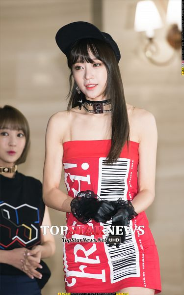 Tags: K-Pop, EXID, Hani, Sleeveless, Choker, Brown Background, Gloves, Looking Ahead, Bare Shoulders, Hat, Red Outfit, Bare Legs