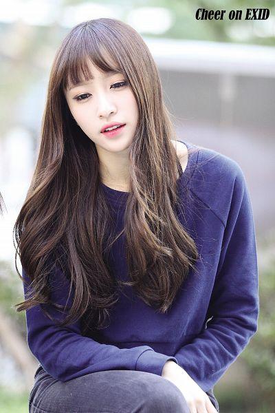 Tags: K-Pop, EXID, Hani, Blue Shirt, Looking Down