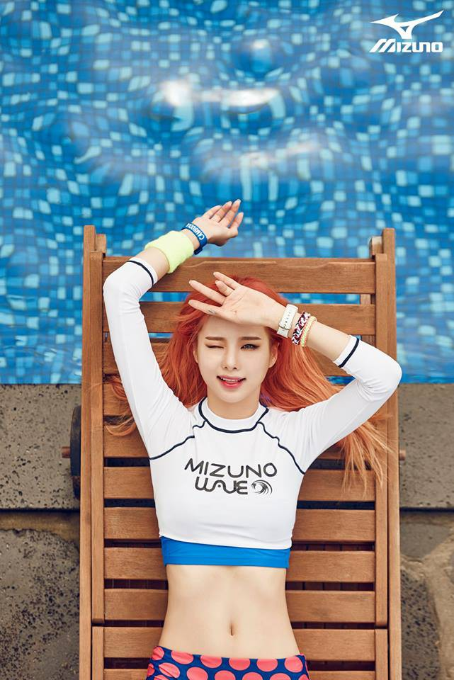 Tags: K-Pop, EXID, Heo Solji, Bracelet, From Above, Midriff, Chair, Navel, Wink, Swimming Pool, Arms Up, Red Hair