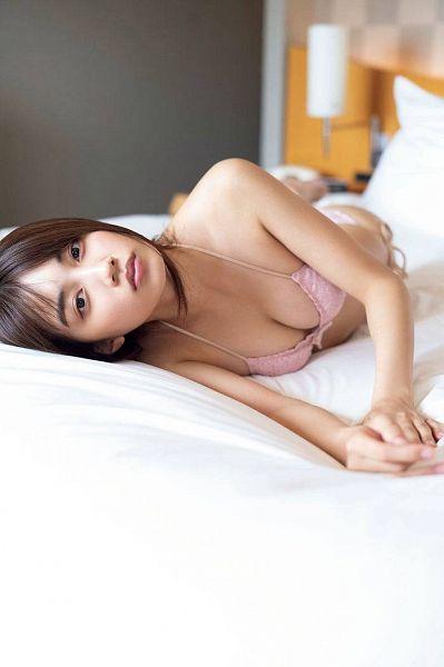 Tags: Dorama, Hikari Kuroki, Swimsuit, Midriff, Bikini, Suggestive