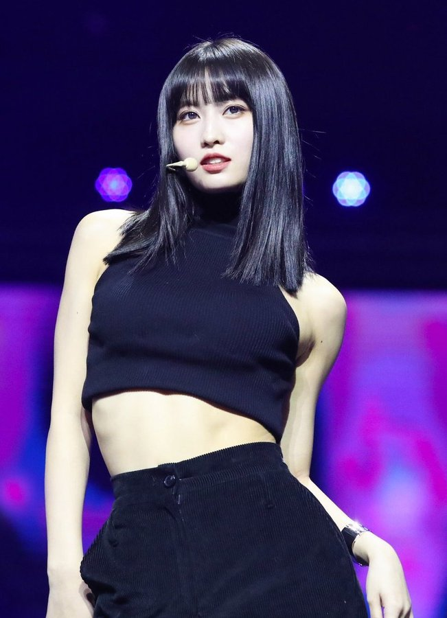 Tags: K-Pop, Twice, Hirai Momo, Microphone, Black Shorts, Midriff, Bracelet, Looking Ahead, Hand In Pocket, Black Eyes, Bangs, Bare Shoulders
