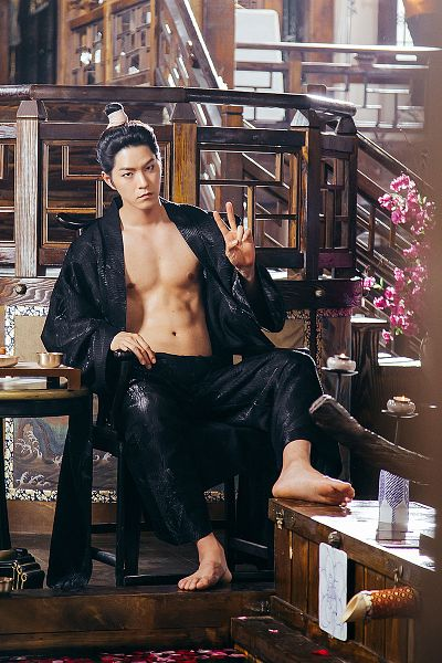 Tags: K-Drama, Hong Jong-hyun, V Gesture, Serious, Flower, Abs, Black Outfit, Open Shirt, Barefoot, Moon Lovers: Scarlet Heart Ryeo