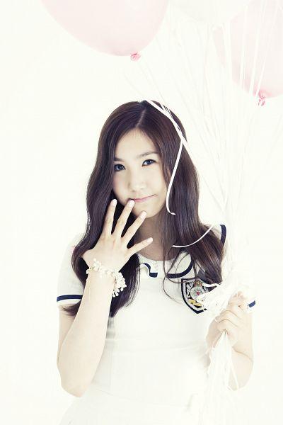 Hong Yoo-kyung - Apink