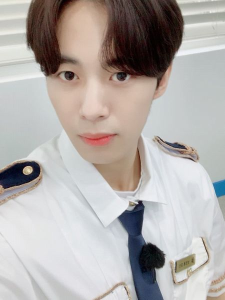 Tags: VIXX, Hongbin, Uniform, Light Background, Tie, White Background