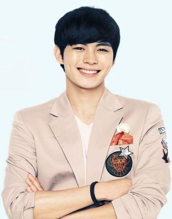 Tags: K-Pop, VIXX, Hongbin, Crossed Arms, Bracelet, Light Background, White Background, Brown Outerwear