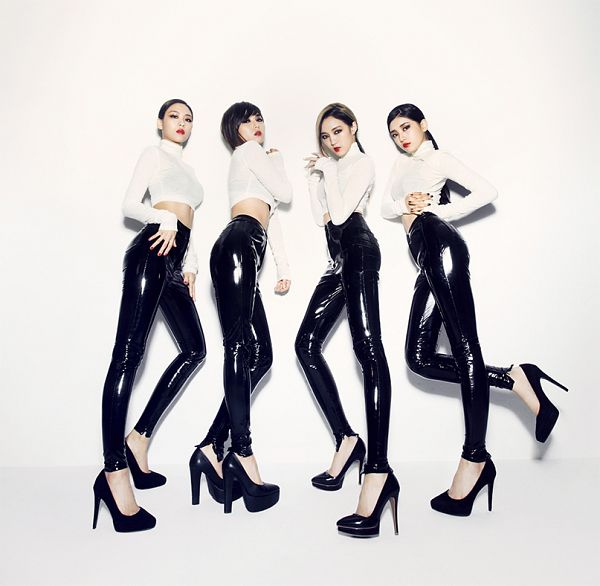 Tags: K-Pop, Miss A, Hush, Wang Feifei, Meng Jia, Bae Suzy, Min, Turtleneck, Black Pants, Collar (Clothes), Quartet, Full Group