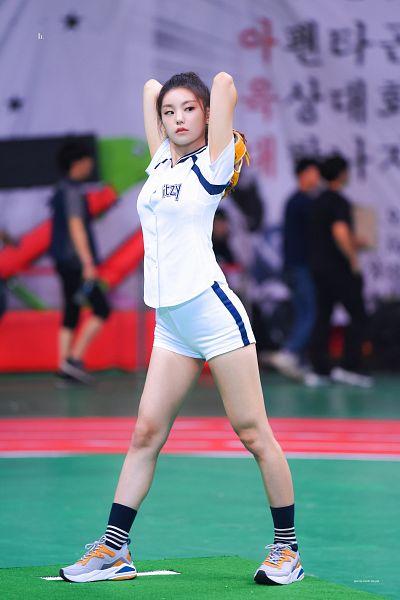 Tags: Itzy, Hwang Yeji, Looking Away, White Shorts, Shoes, Sneakers, Socks, Baseball, Hair Up, Shorts, Baseball Glove, Ponytail