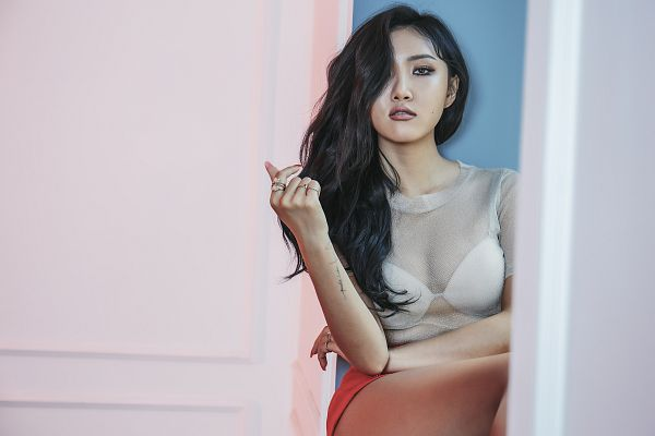 Tags: K-Pop, Mamamoo, Hwasa, Covering Eyes, Ring, Shorts, Short Sleeves, Lingerie, Bra, Light Background, HD Wallpaper, Wallpaper