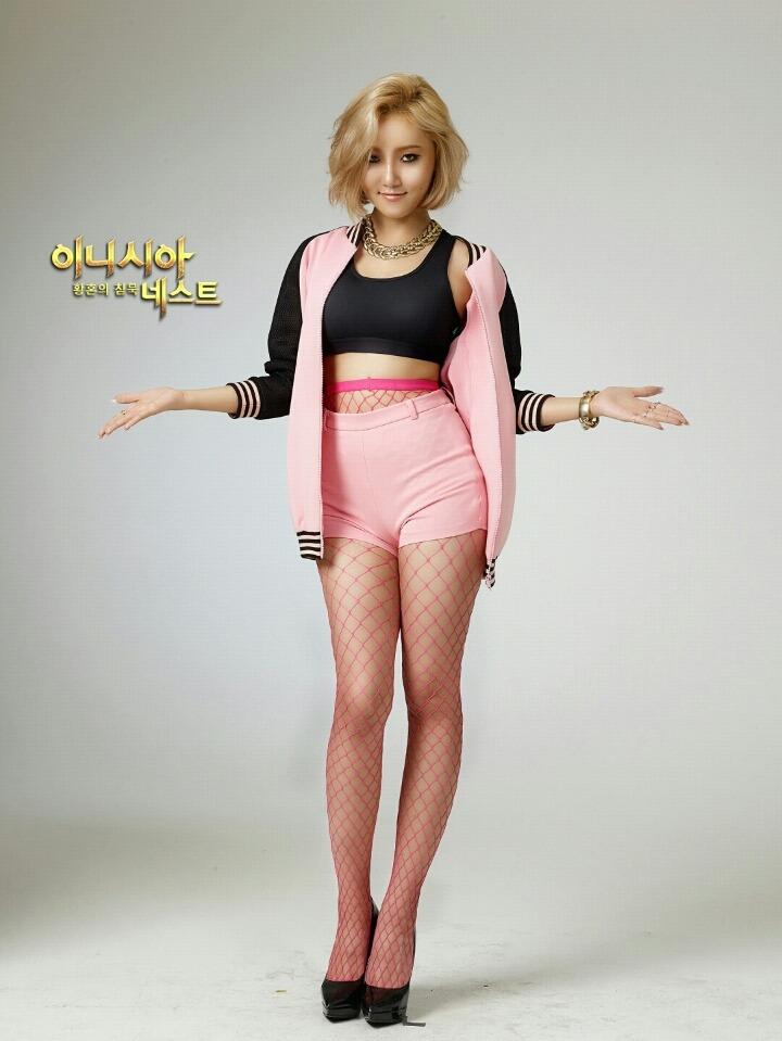 Tags k pop mamamoo hwasa pink lips high heels fishnets
