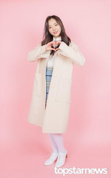 Tags: Hunus Entertainment, K-Pop, Elris, Hyeseong, Socks, Checkered, English Text, Bow Tie, Checkered Skirt, Full Body, Skirt, White Footwear