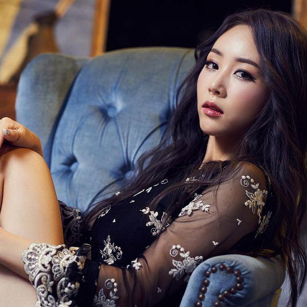 Tags: K-Pop, Blah Blah, Hyoin, Armchair, Chair, Serious, Black Outfit, Sitting On Chair