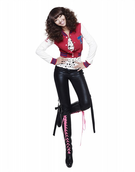 Tags: Starship Entertainment, K-Pop, Sistar, Push Push, How Dare You (Song), Hyorin, High Heels, Hand On Waist, Grin, High Heeled Boots, Boots, Red Outerwear