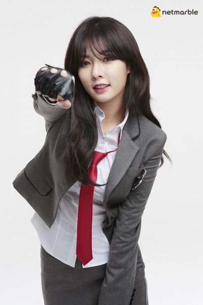 Tags: Cube Entertainment, K-Pop, 4Minute, Hyuna, Skirt, Blunt Bangs, Bangs, Contact Lenses, Light Background, Suit, Gray Skirt, Gloves