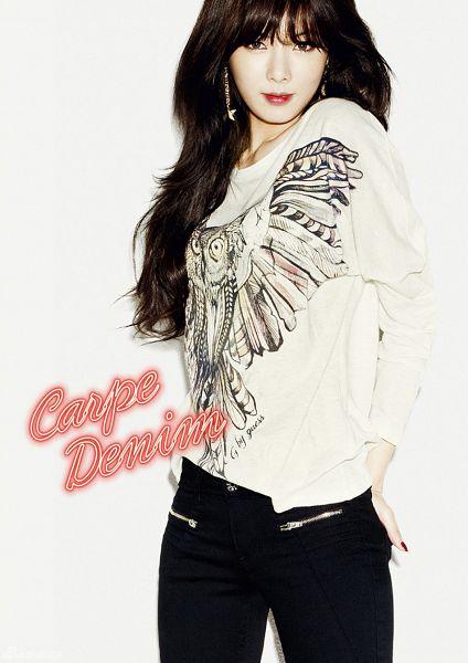 Tags: K-Pop, 4Minute, Hyuna, Light Background, White Background, Hand On Butt, Black Pants