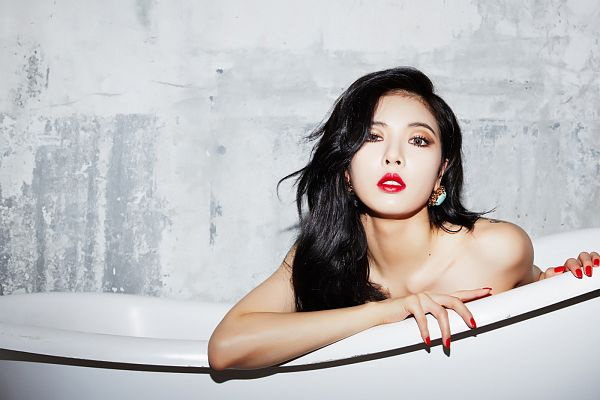 Tags: K-Pop, 4Minute, Red (Song), Hyuna, Bathtub, Red Lips, Bathroom, Gray Background, Suggestive, Bare Shoulders, Make Up, Collarbone