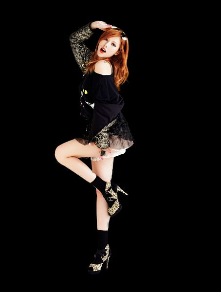Tags: K-Pop, 4Minute, Hyuna, Full Body, Standing On One Leg, Socks, Black Background, Leg Up, Dark Background, Red Hair, Bare Shoulders, Black Legwear