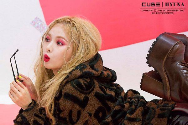 Tags: Cube Entertainment, K-Pop, Lip & Hip, Hyuna, Blonde Hair, Pouting, Holding Object, High Heels, Text: Artist Name, Close Up, Boots, High Heeled Boots