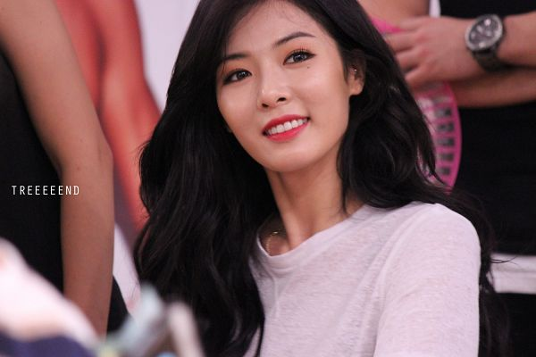 Tags: K-Pop, Hyuna