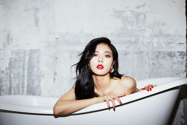 Tags: K-Pop, 4Minute, Red (Song), Hyuna, Bathtub, Bathroom, Red Lips, Bare Shoulders, Gray Background, Collarbone, Suggestive, Nude