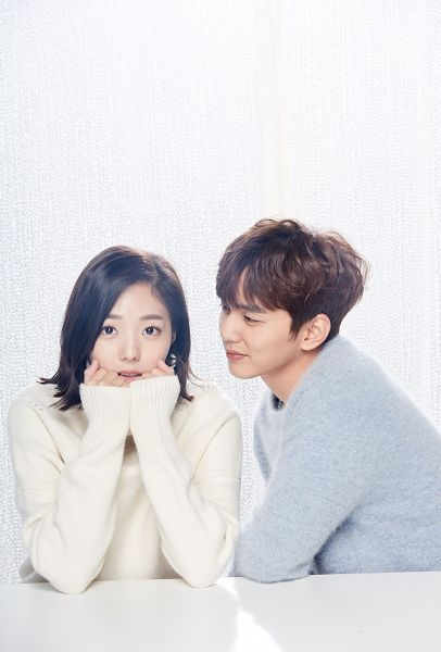 Tags: K-Drama, Chae Soo-bin, Yoo Seung-ho, Light Background, Couple, White Background, Duo, Medium Hair, Blue Shirt, Looking At Another, I'm Not a Robot