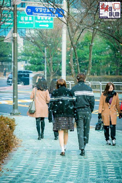 Tags: K-Drama, Chae Soo-bin, Yoo Seung-ho, Sweater, Black Shirt, Turtleneck, Korean Text, Walking, Duo, Text: Series Name, Full Body, Plant